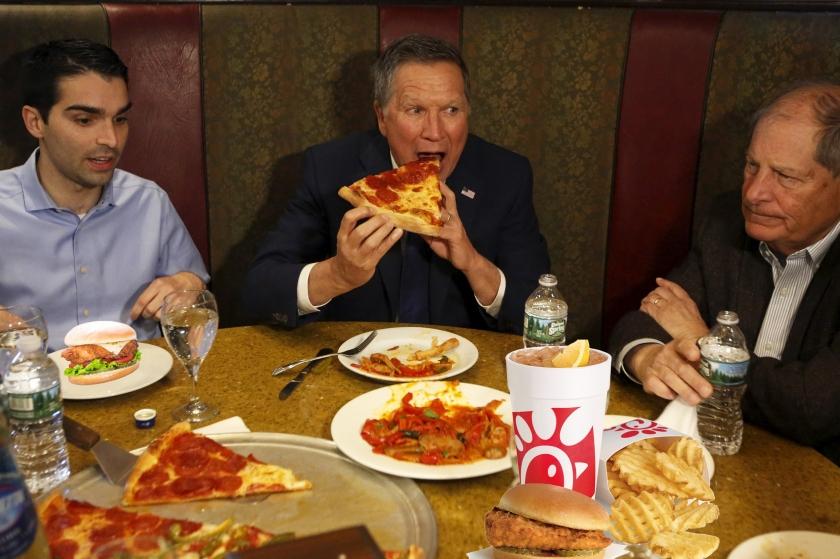 OMFG TRUMP - politicians pizza